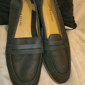 Lucky Brand Leather Navy Penny Loafers; Size 7.5